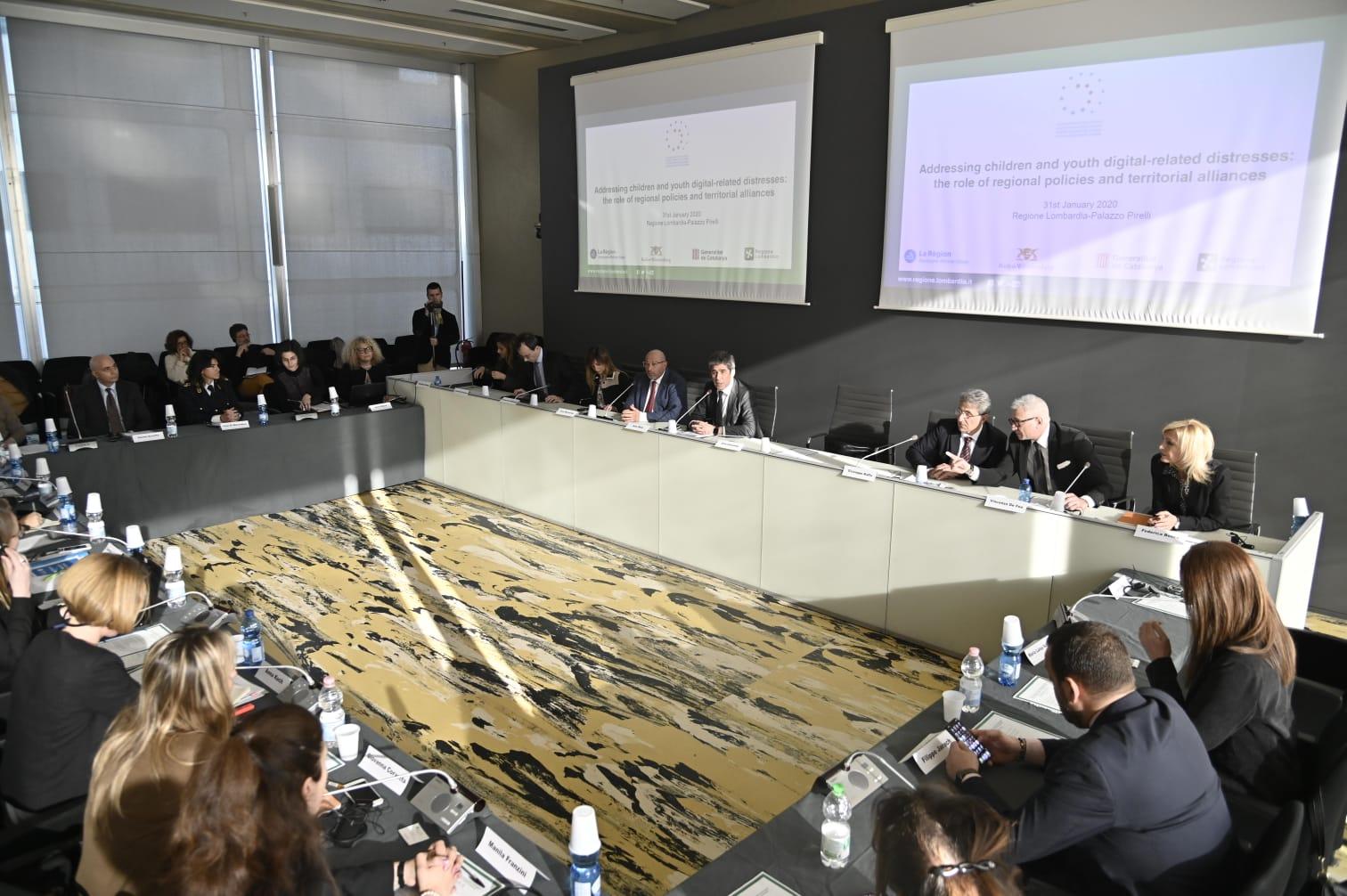 cyberbullismo incontro a Palazzo Pirelli