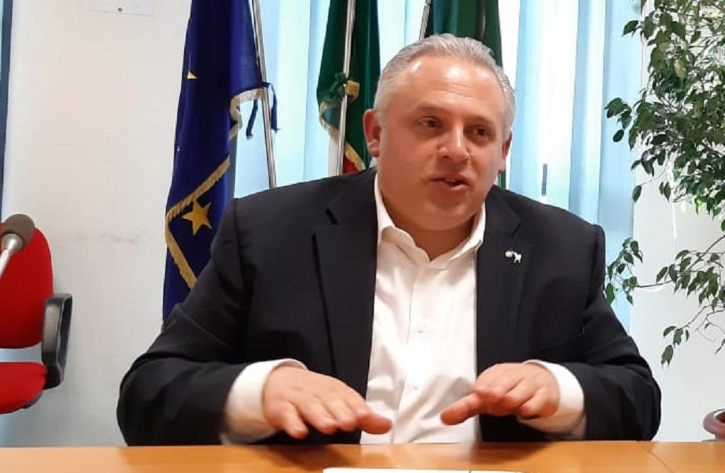 Turba all'UTR di Como per parlare di rilancio dell'economia