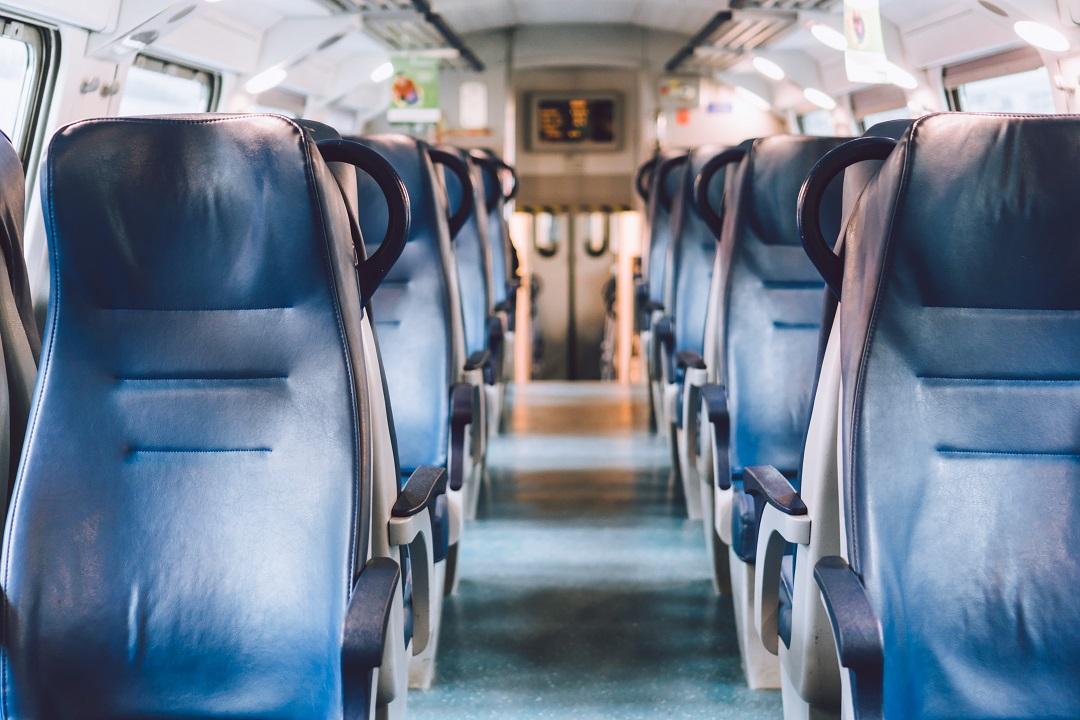 Distanziamento trasporti pubblici Lombadia