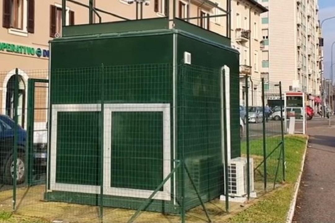 Brescia nuove centraline aria, nella foto quella di via Tartaglia