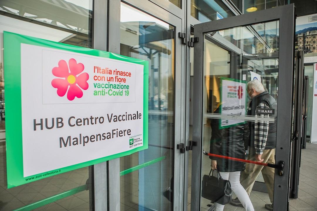 centri vaccinali 700 volontari