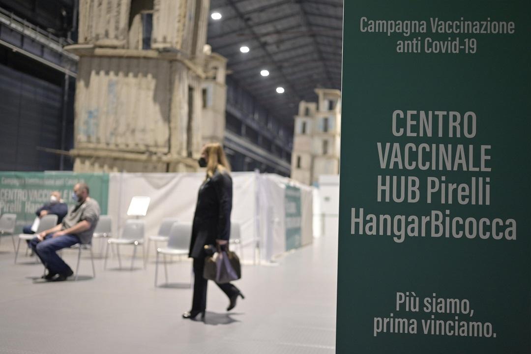 centtro vaccinale hangar bicocca